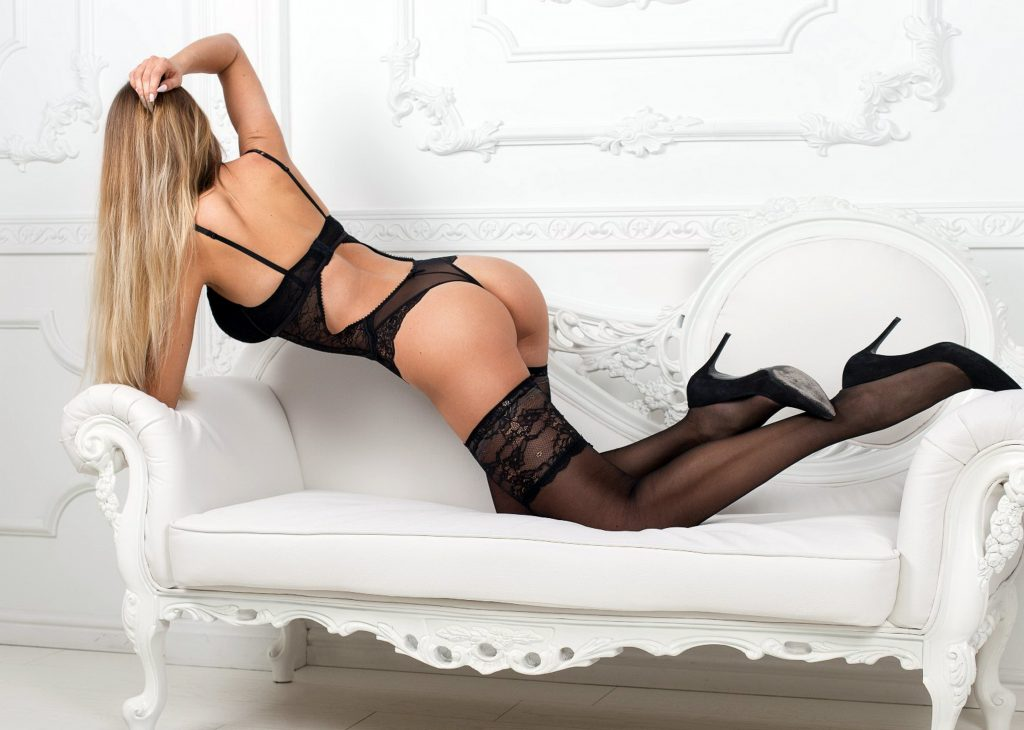 Sexy blondes from Romford escorts